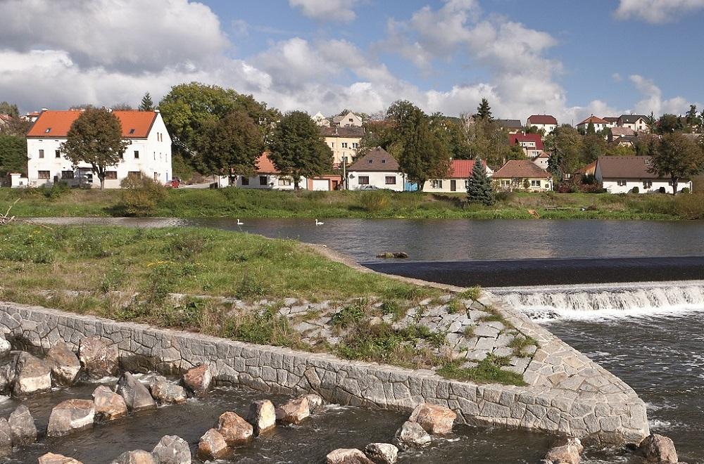 Rybí přechod na Berounce u obce Hýskov