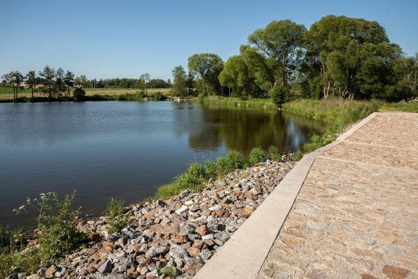 Revitalizace rybníku Valcha v Třešti – spočívala v odbahnění, vybudování bezpečnostního přelivu a ve vytvoření mokřadu na přítoku.