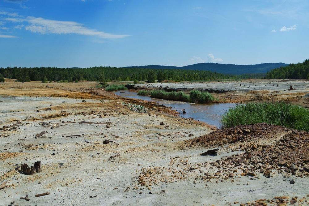 Znečištěná příroda – kontaminace vody a půdy po průmyslové výrobě