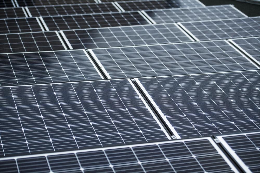 Fotovoltaické_panely_Budišov_distribuční síť tepla a elektřiny